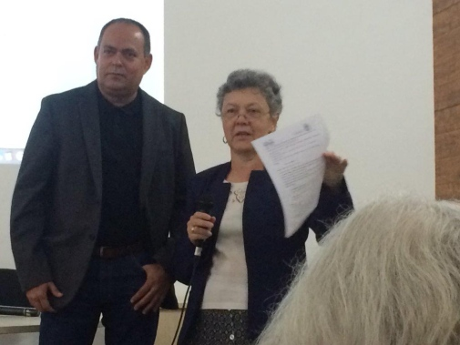 Professor Lázaro Moreno Herrera from the Institute of Education leads a workshop together with her colleague, Professor Maria Ligia de Oliveira Barbosa from the Federal University of Rio de Janeiro.