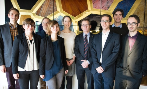 The visit was arranged by PhD students at the Department of Biochemistry and Biophysics and the Department of Organic Chemistry. In the photo from left to right: Marvin Luebcke, Federica Poiana, Markus Björck, Hannah Dawitz, Angela van der Werf, Bernard Feringa, Tamás Görbe, Riccardo Diamanti and Kilian Colas.