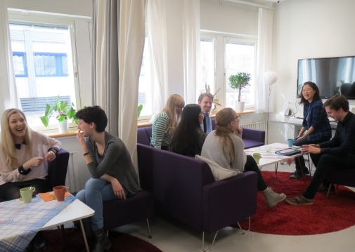 Practise your favourite languages at our popular language cafes! Photo: Språkstudion