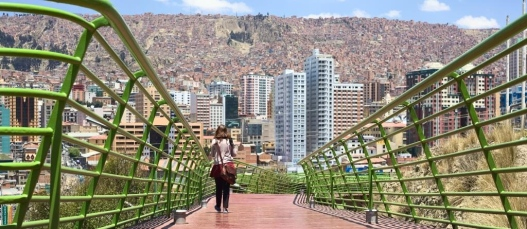 10981209-via-balcon-pedestrian-path-in-la-paz-bolivia