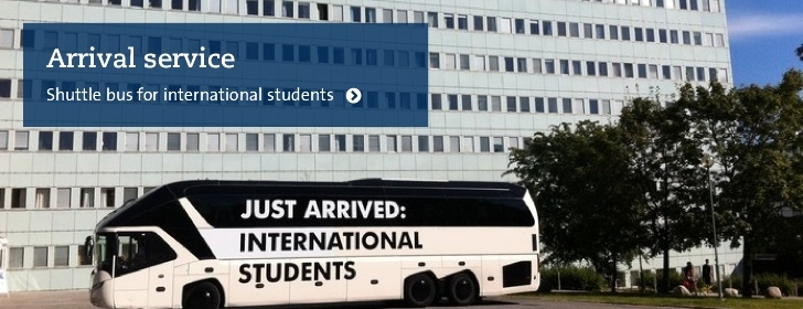 Bus for international students outside Stockholm University Photo: Ronald T. Nordqvist