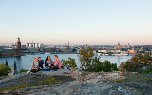 Students overlooking Stockholm City Hall