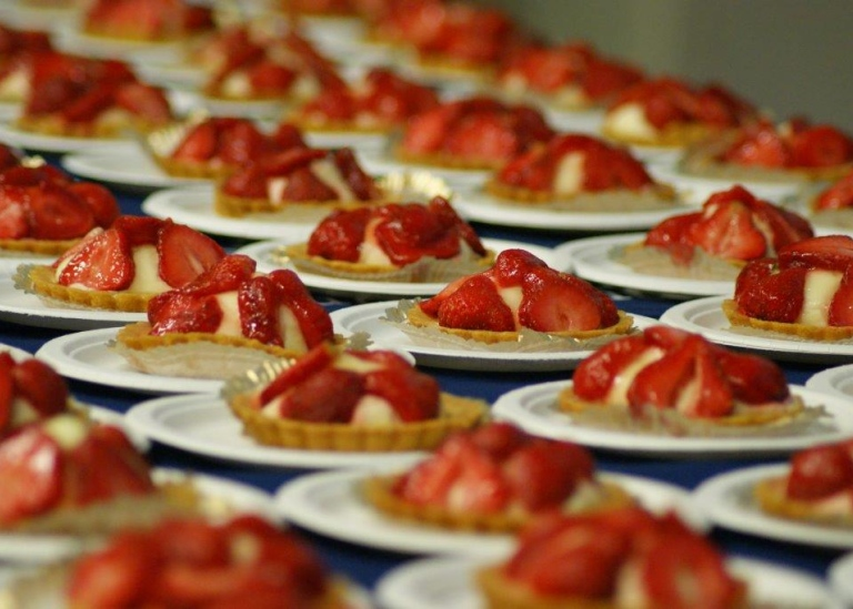 Strawberry cakes at a previous Farewell fika